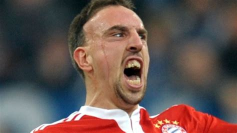The 12 Best Gurning Footballers - The Daisy Cutter