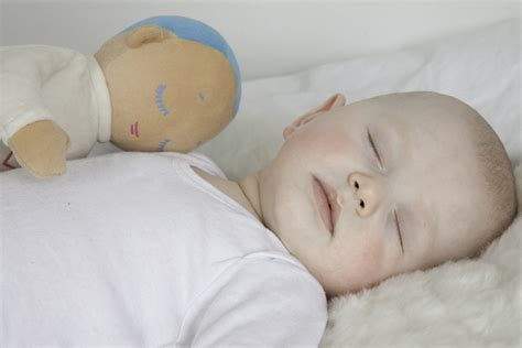 The Lulla Doll by Roro = A calm and rested baby — Little Flea