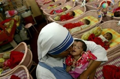 INDIA Missionaries of Charity: the suffering Christ in