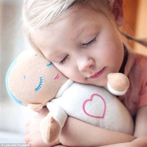 Lulla doll with heartbeat helps babies sleep | Daily Mail