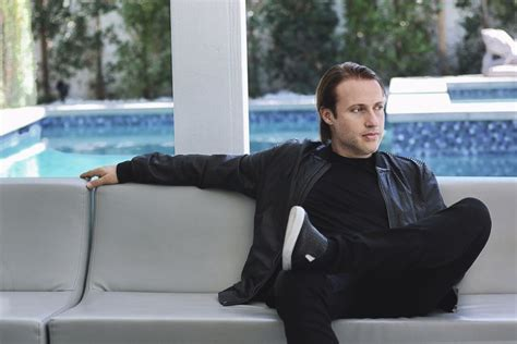 """EDX Starts 2019 on a High Note with """"Who Cares"""" [Premiere"""