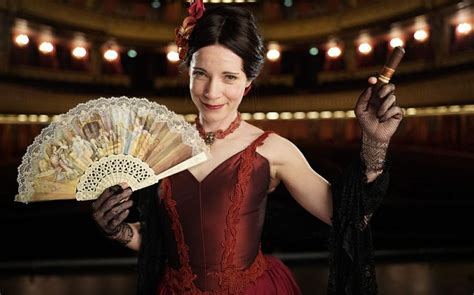 Lucy Worsley's Nights at the Opera is a history of