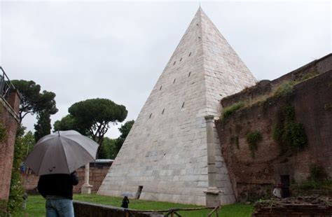 The Pyramid in Rome: Restored, Clean and Now Open