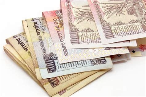 Deadline extended: Rs 500, Rs 1,000 notes valid for key